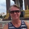Alex, 59, г.Пномпень