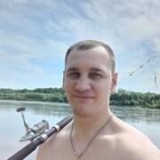 Максим Шутков