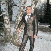 Юрий, 33