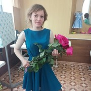 Алёна, 23, г.Касли