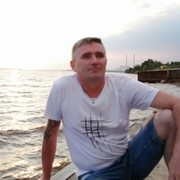 Александр, 45, г.Добрянка