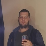 Олег, 28, г.Бутурлиновка