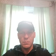 Валера, 45, г.Белогорск