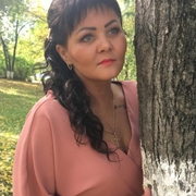 Алёна, 32, г.Березовский