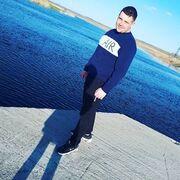 Артур, 27, г.Новоаннинский