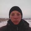 олег, 19, г.Сватово