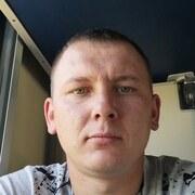 Олег, 27, г.Северск
